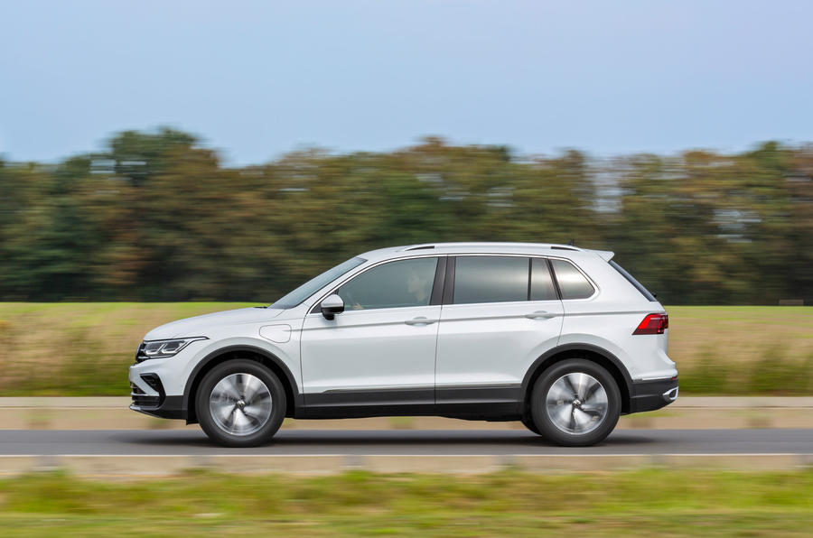 Volkswagen Tiguan eHybrid 2020 first drive review - hero side