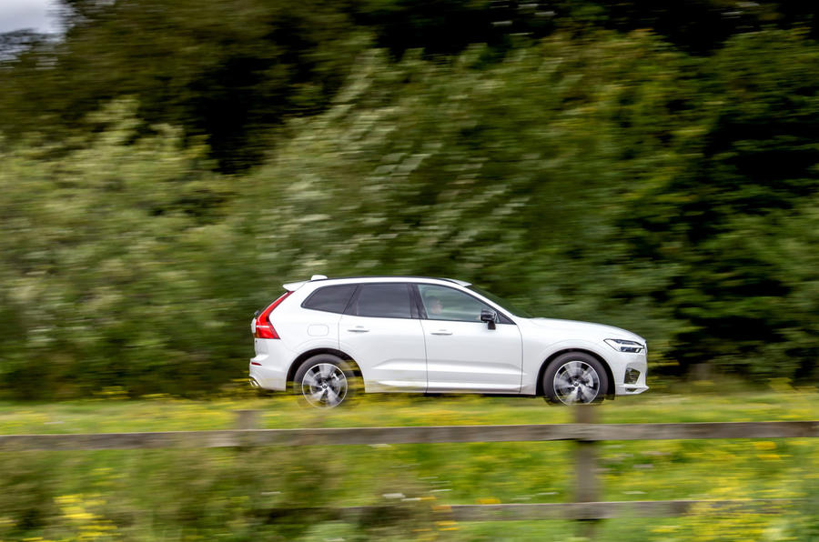 Volvo XC60 B5 2020 UK first drive review - hero side