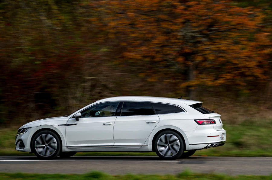 Volkswagen Arteon Shooting Brake eHybrid 2020 first drive review - hero side