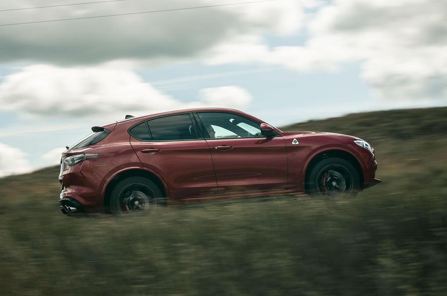 Alfa Romeo Stelvio Quadrifoglio 2020 : premier bilan de conduite au Royaume-Uni - sur la route