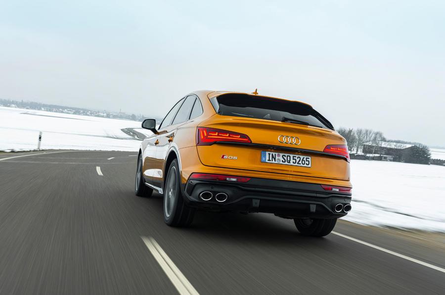 20 Audi SQ5 2021 : premier examen de conduite sur la route arrière