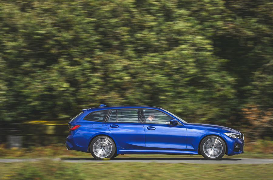 BMW 3 Series Touring 320d 2019 UK first drive review - on the road side