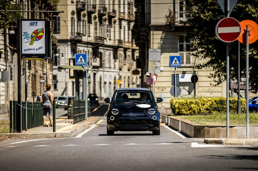 Fiat 500 electric 2021 first drive review - Milan
