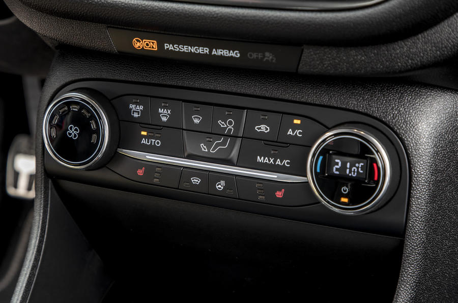 Ford Fiesta Active 2018 review climate controls
