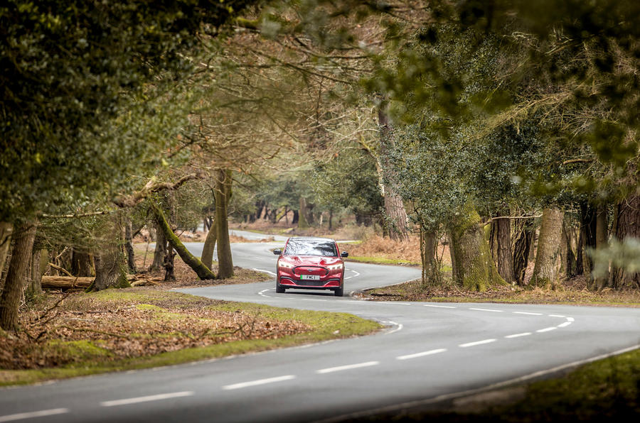 20 Ford Mustang Mach E 2021 UE : premier essai sur route