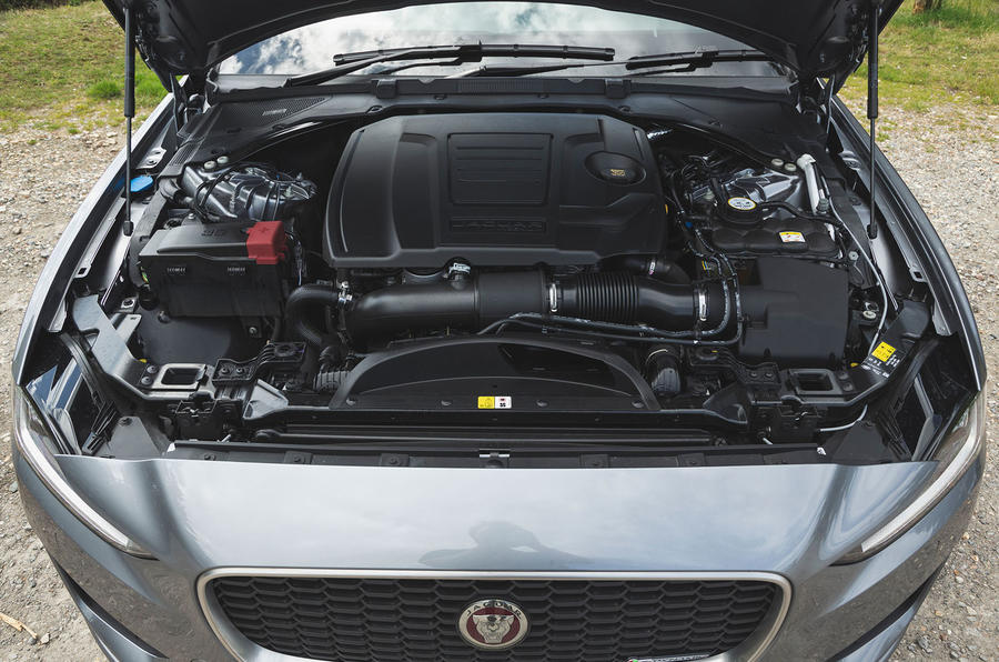 Jaguar XE P300 2019 UK first drive review - engine