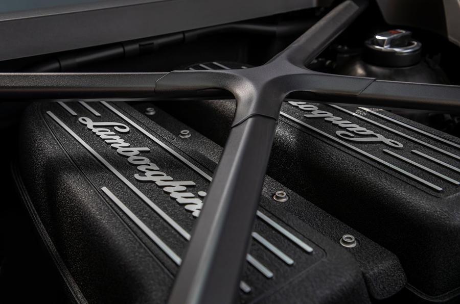 Lamborghini Huracan Evo 2019 first drive review - engine details