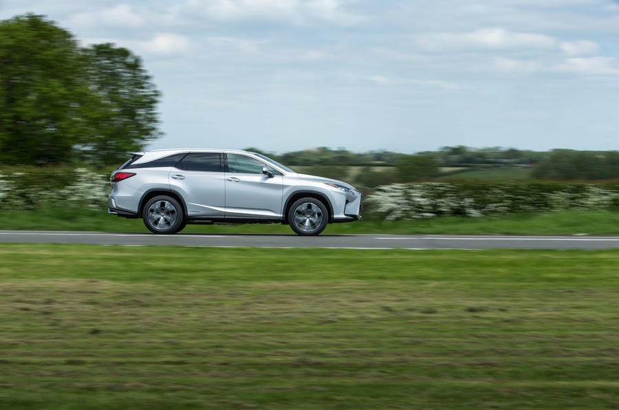 Lexus RX 450hL 2018 review on the road side
