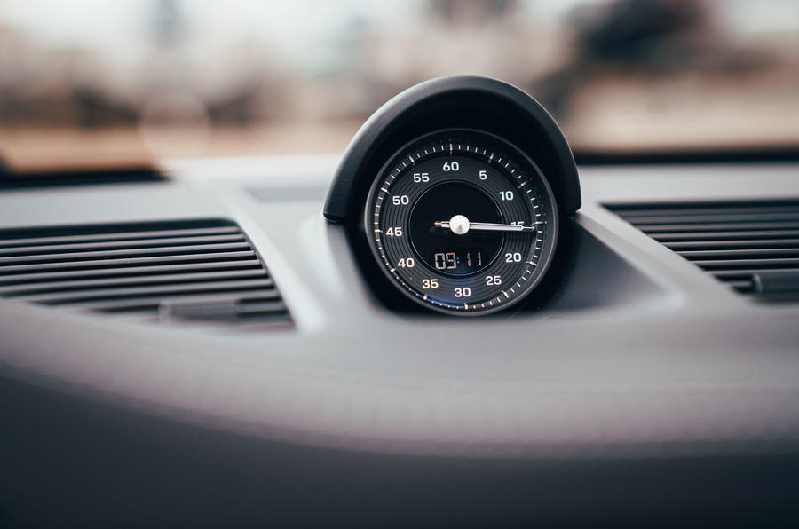 Porsche 911 Targa 2020 UK first drive review - clock
