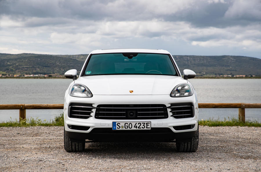 porsche cayenne e hybrid 2018 review autocar. Black Bedroom Furniture Sets. Home Design Ideas