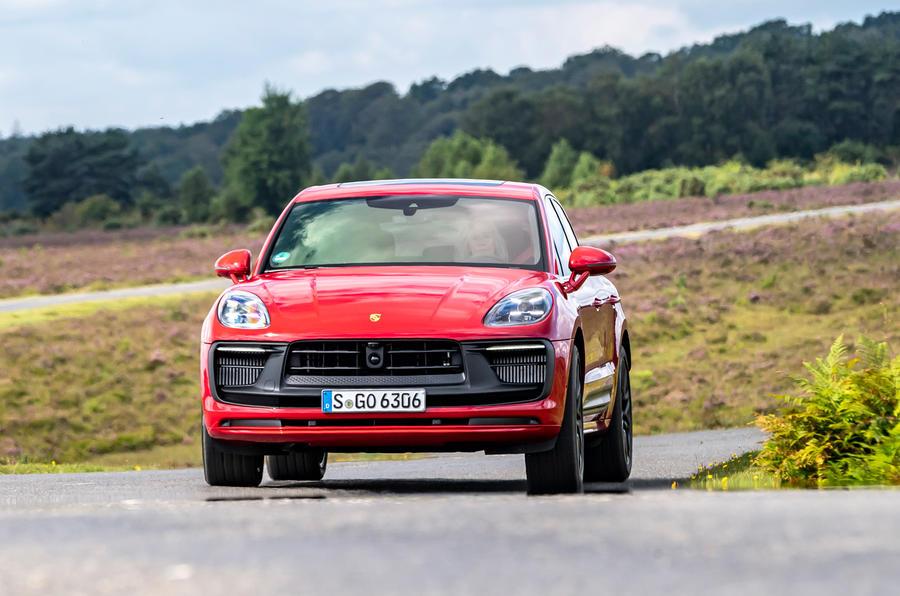 20 Porsche Macan GTS 2021 UE LHD premier essai de virage avant