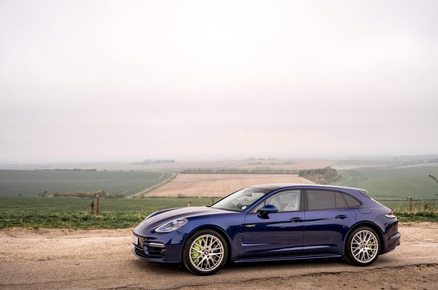 20 Porsche Panamera Turbo S E Hybrid ST 2021 UE FD statique