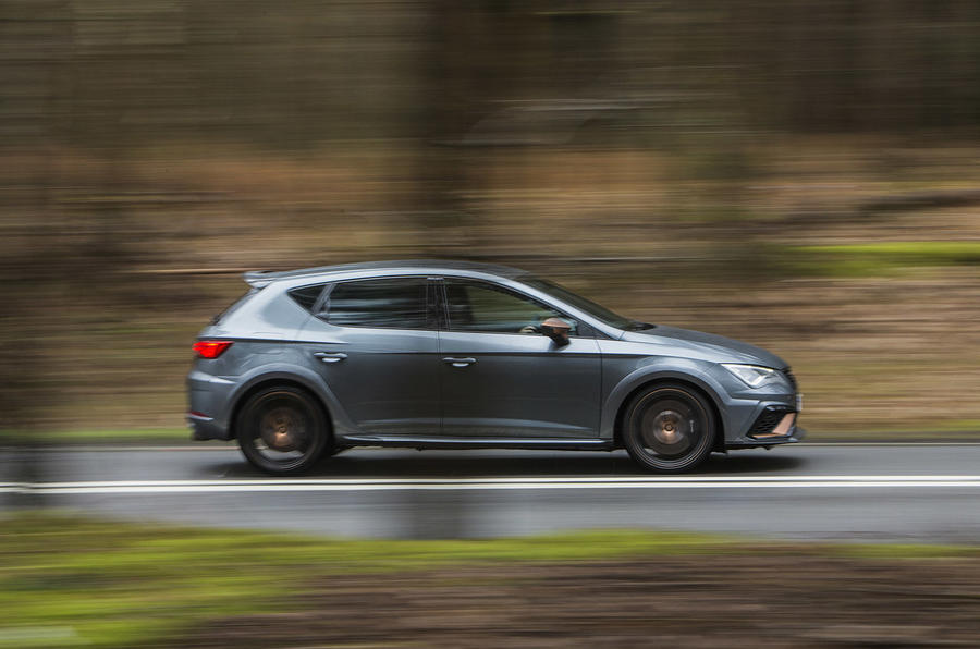 Seat Leon Cupra R 2018 UK review on the road side