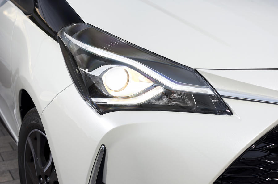 Toyota Yaris headlights