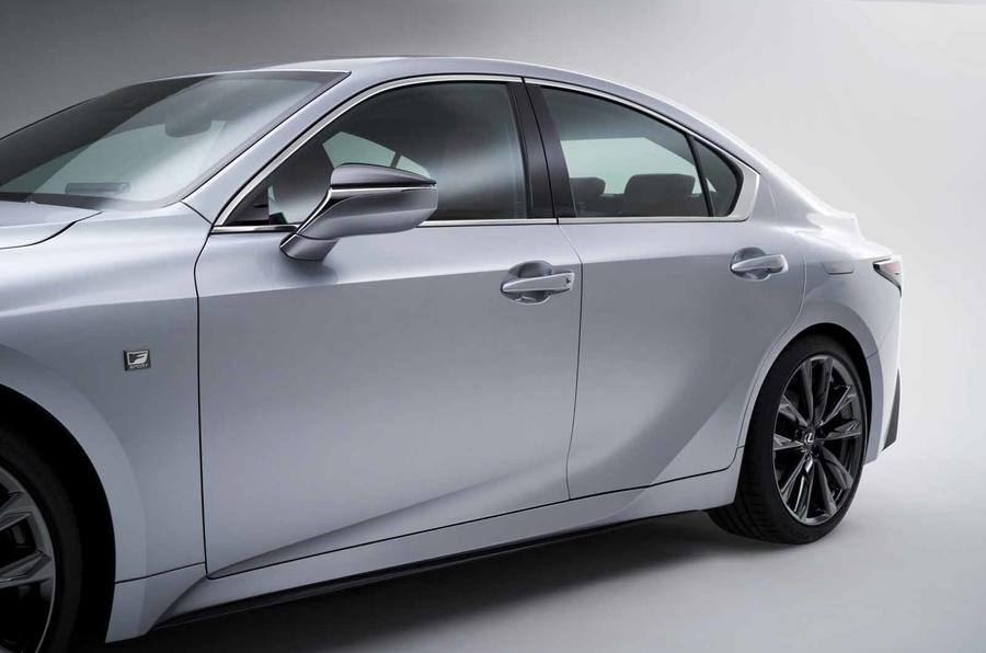 2021 Lexus IS side