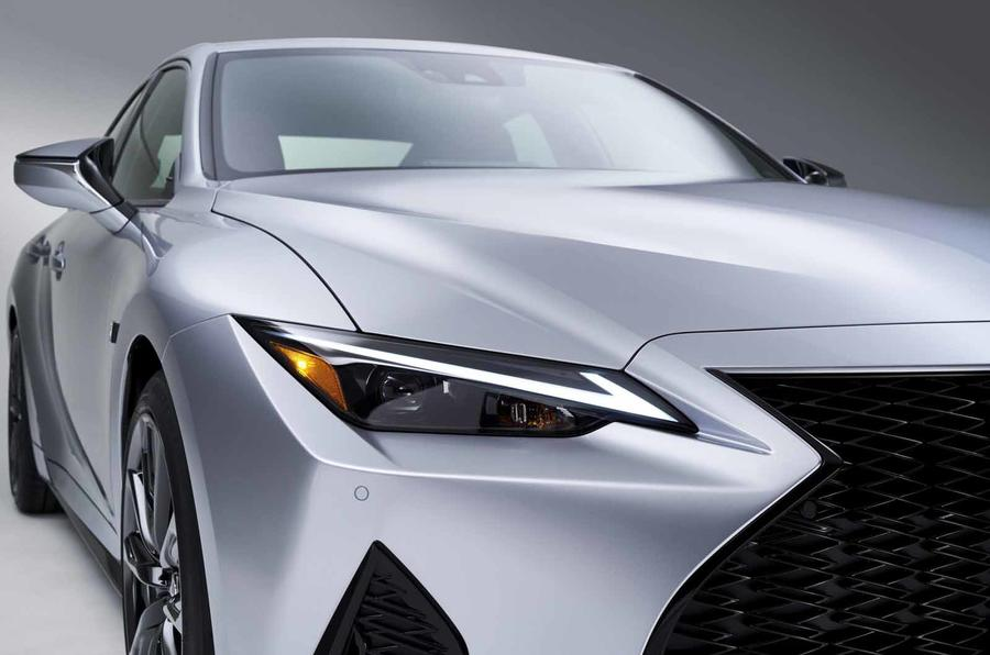 2021 Lexus IS headlight close