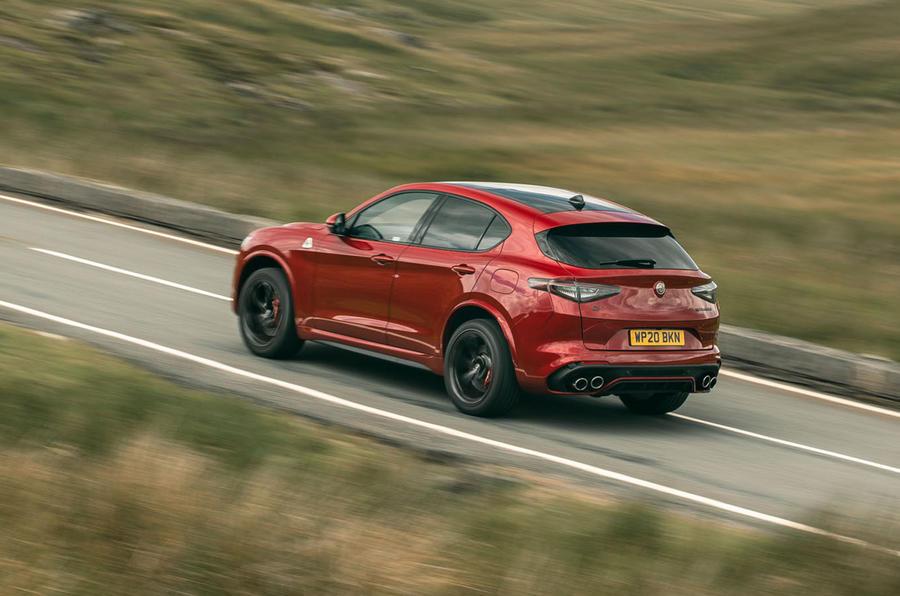 Alfa Romeo Stelvio Quadrifoglio 2020 : premier bilan de conduite au Royaume-Uni - sur la route du retour