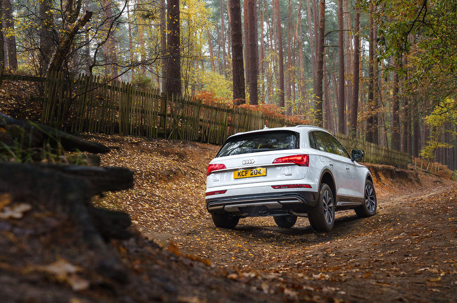 Audi Q5 40 TDI Sport 2020 UK first drive review - static rear