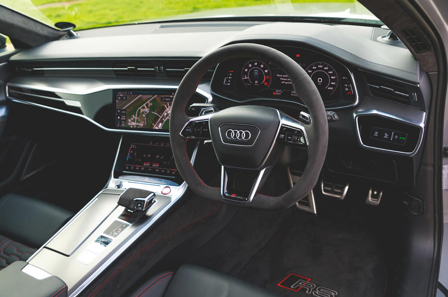 Audi RS6 Avant - interior