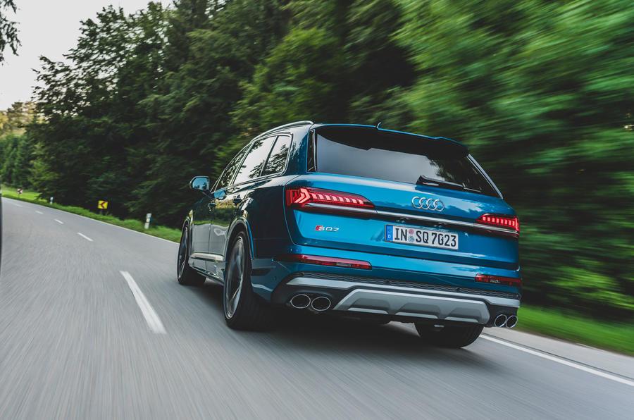 Audi SQ7 2020 : premier bilan de conduite - sur la route arrière