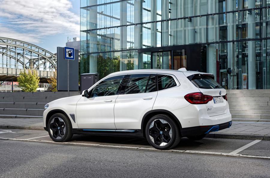 BMW iX3 2020 : premier bilan de conduite - statique arrière