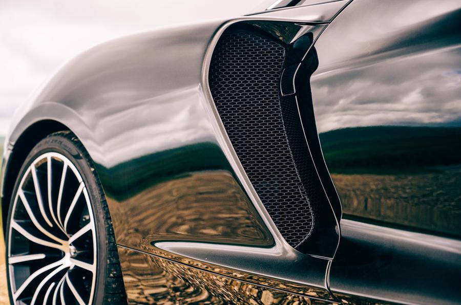 McLaren GT - side panel