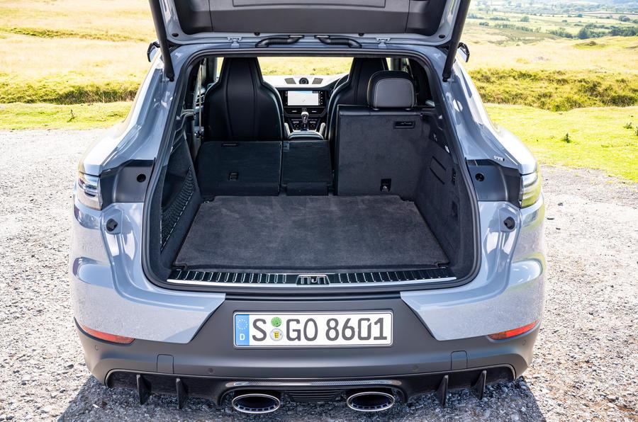 21 Porsche Cayenne Turbo GT 2021 UE FD coffre de voiture