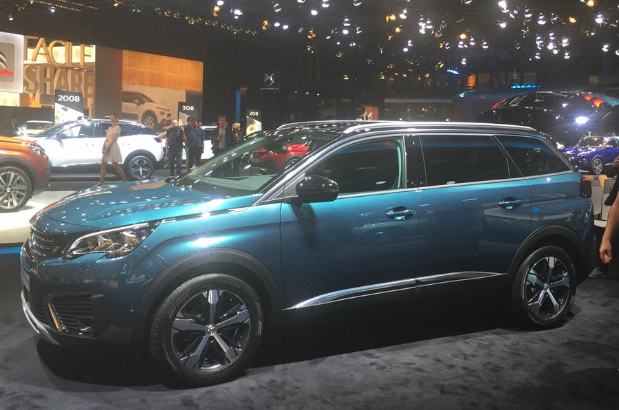 Peugeot 5008 at the Paris motor show 2016 - show report and gallery