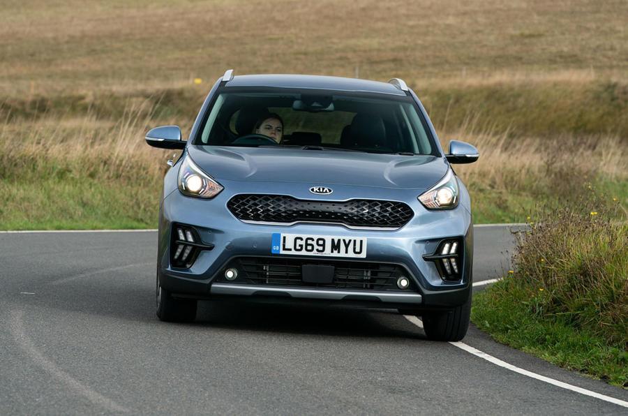 Kia Niro PHEV 2020 UK first drive review - cornering front