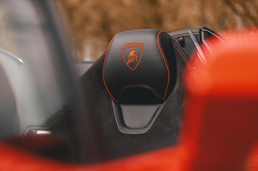 Lamborghini Huracán Spyder 2020 UK first drive review - seat details
