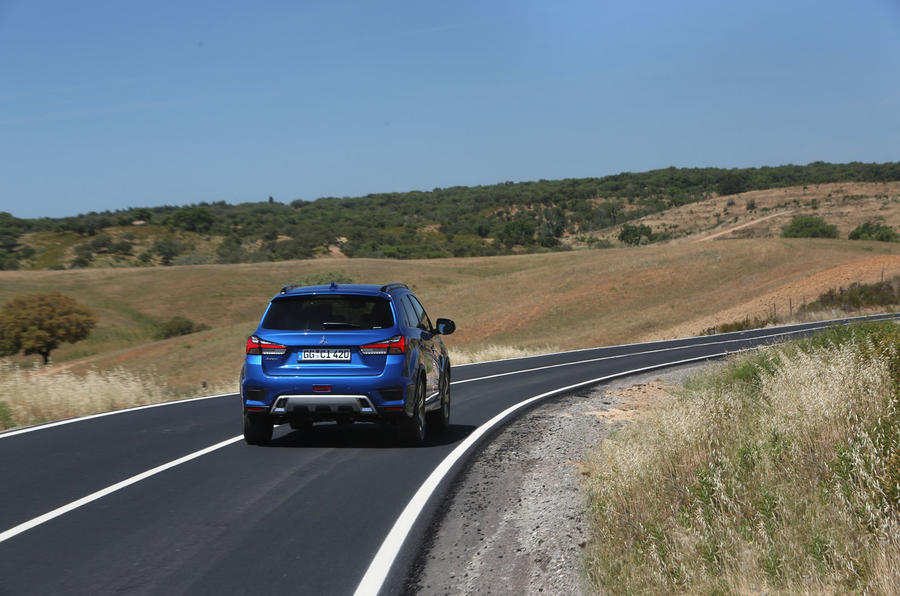 Mitsubishi ASX 2019 first drive review - cornering rear