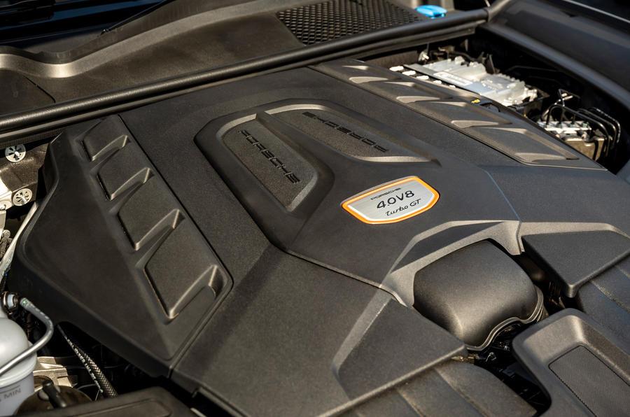 22 Porsche Cayenne Turbo GT 2021 UE FD moteur