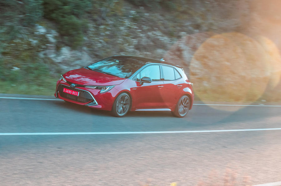 Toyota Corolla hybrid hatchback 2019 first drive review - on the road side