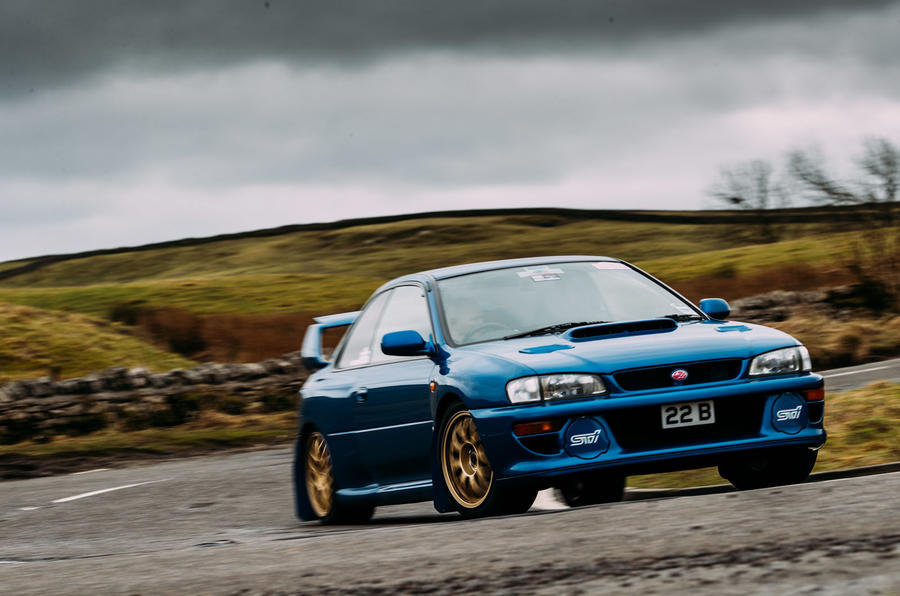 rally legends twin test mitsubishi lancer evo vi makinen vs subaru impreza 22b autocar autocar