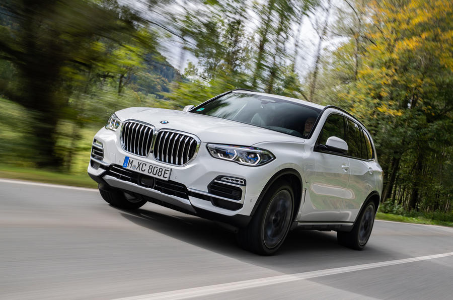 BMW X5 xDrive 45e 2019 first drive review - cornering front