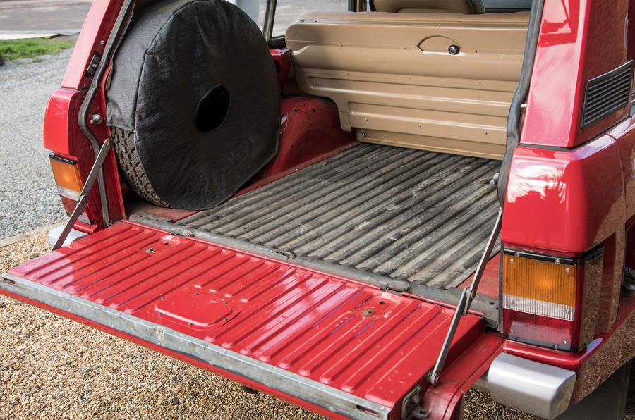 Range Rover Mk1 - boot