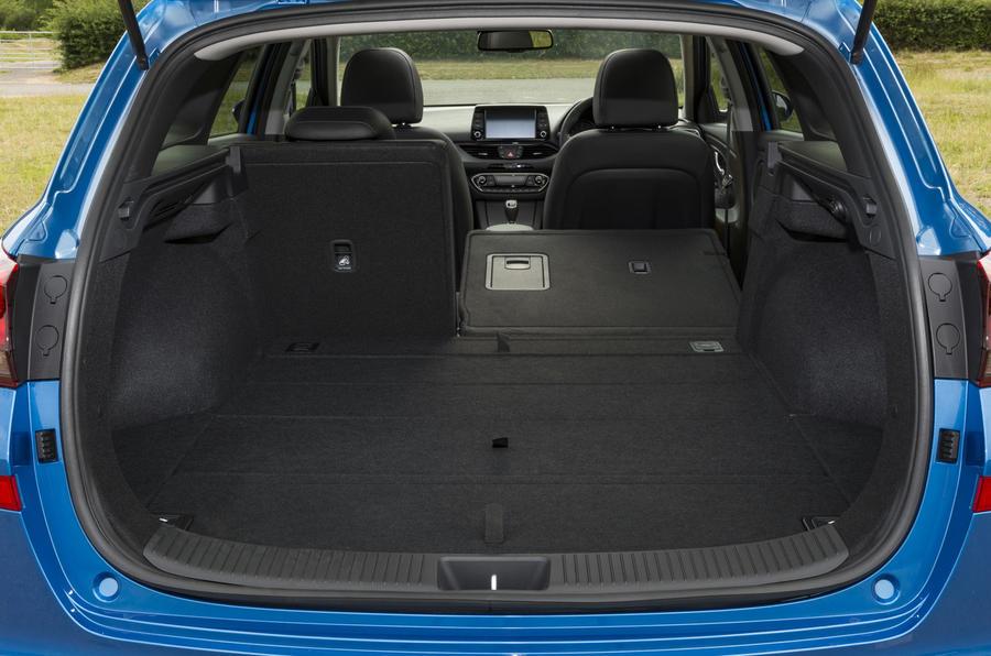 Hyundai I30 Tourer 1 4 T Gdi Premium Se 2017 Review Autocar