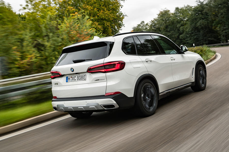 BMW X5 xDrive 45e 2019 first drive review - cornering rear