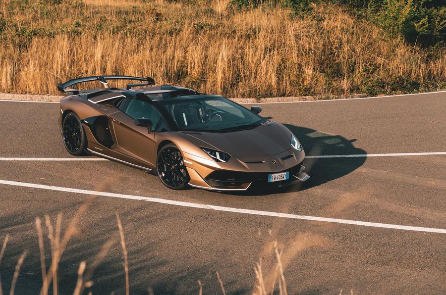 Lamborghini Aventador SVJ Roadster 2019 review