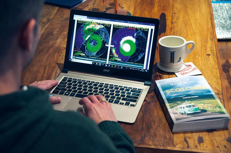 Aurora activity online