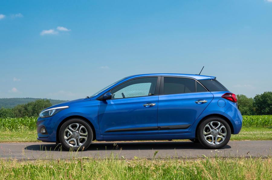 Hyundai i20 2018 review static side