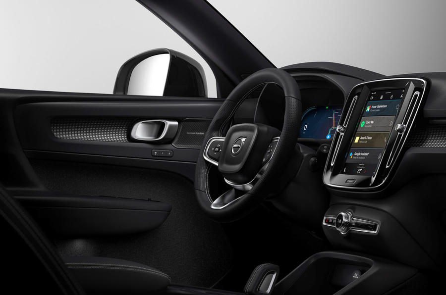 2020 Volvo XC40 EV - infotainment