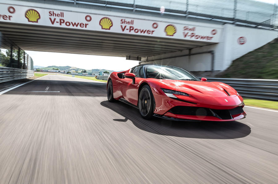 Ferrari SF90 Stradale 2020 first drive review - track tunnel