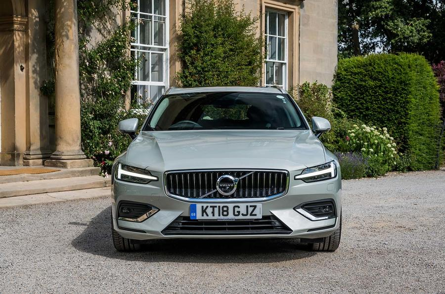 Volvo V60 D4 Inscription 2018 UK first drive review static front