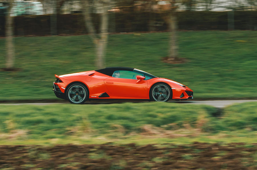 Lamborghini Huracán Spyder 2020 UK first drive review - on the road side