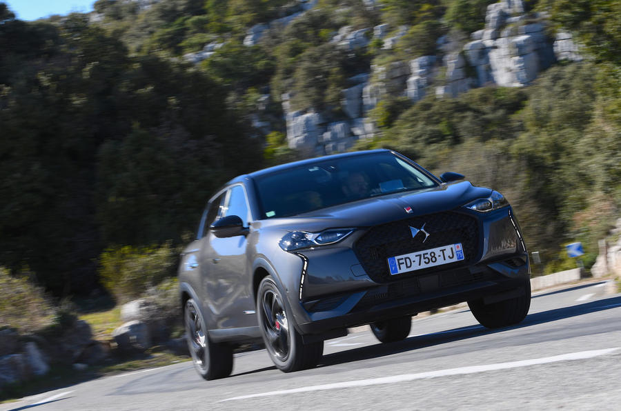 DS 3 Crossback 2019 first drive review - on the road front