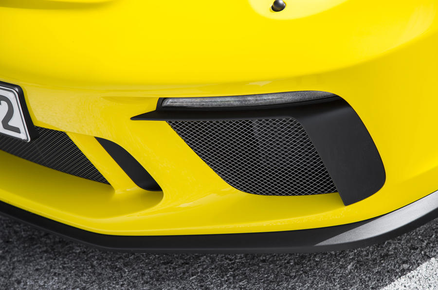Porsche 911 GT3 air intake