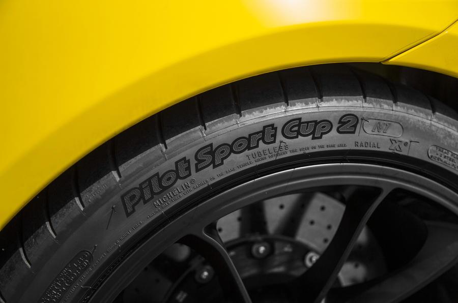 Porsche 911 GT3 Michelin PilotSports