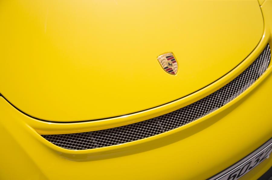 Porsche 911 GT3 front lip