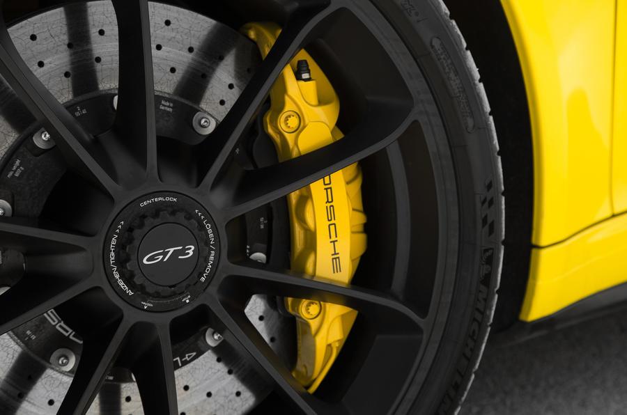 Porsche 911 GT3 brake calipers